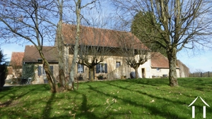 Farmhouse with character and big barn of 240m2.
